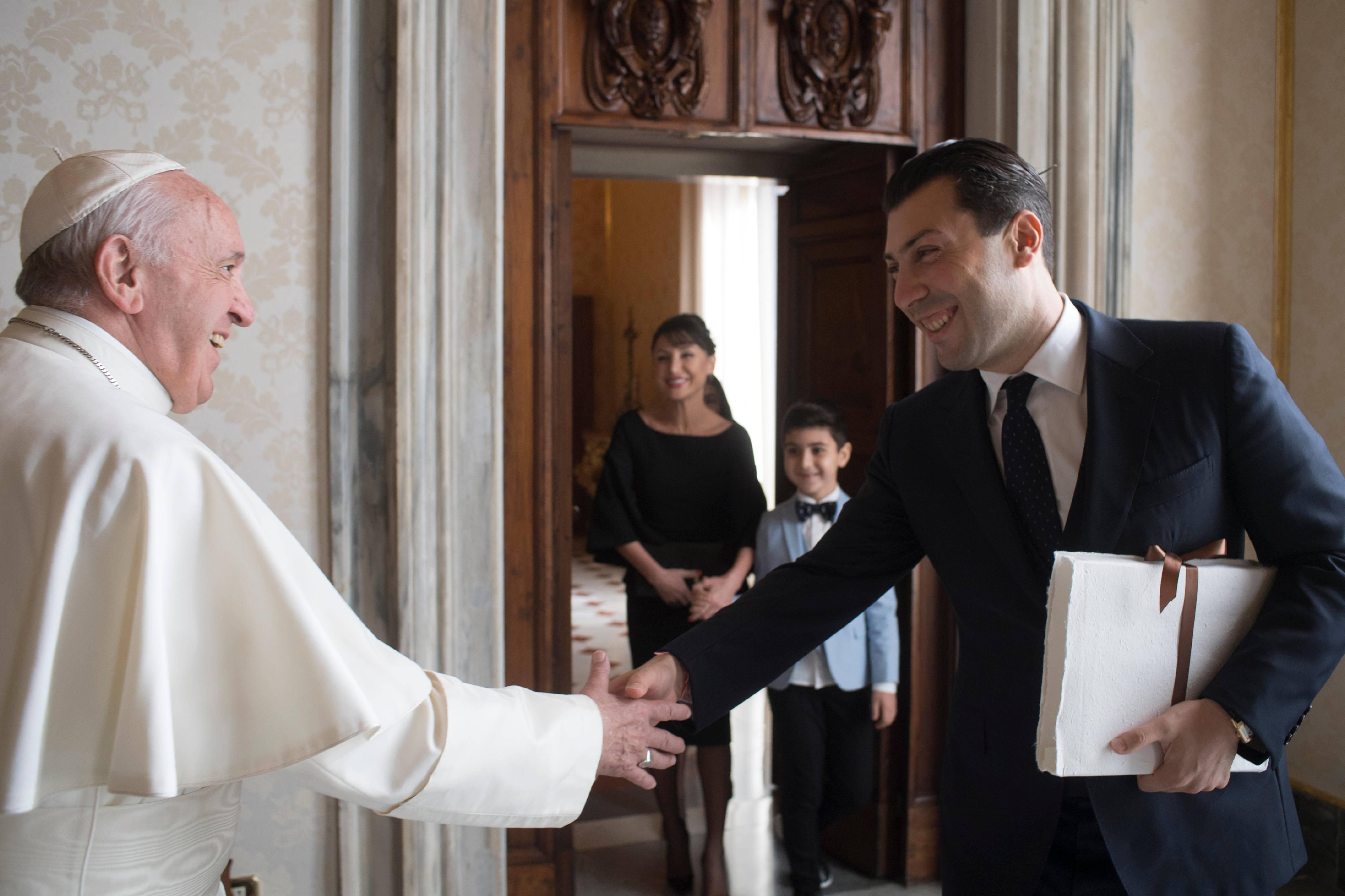 Սուրբ Աթոռում ՀՀ դեսպանը հանդիպում ունեցավ Նորին Սրբություն Ֆրանցիսկոս Պապի հետ
