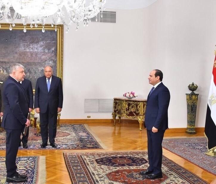 Դեսպան Կարեն Գրիգորյանը հավատարմագրերը հանձնեց Եգիպտոսի Արաբական Հանրապետության նախագահ Աբդել Ֆաթթահ Ալ Սիսիին