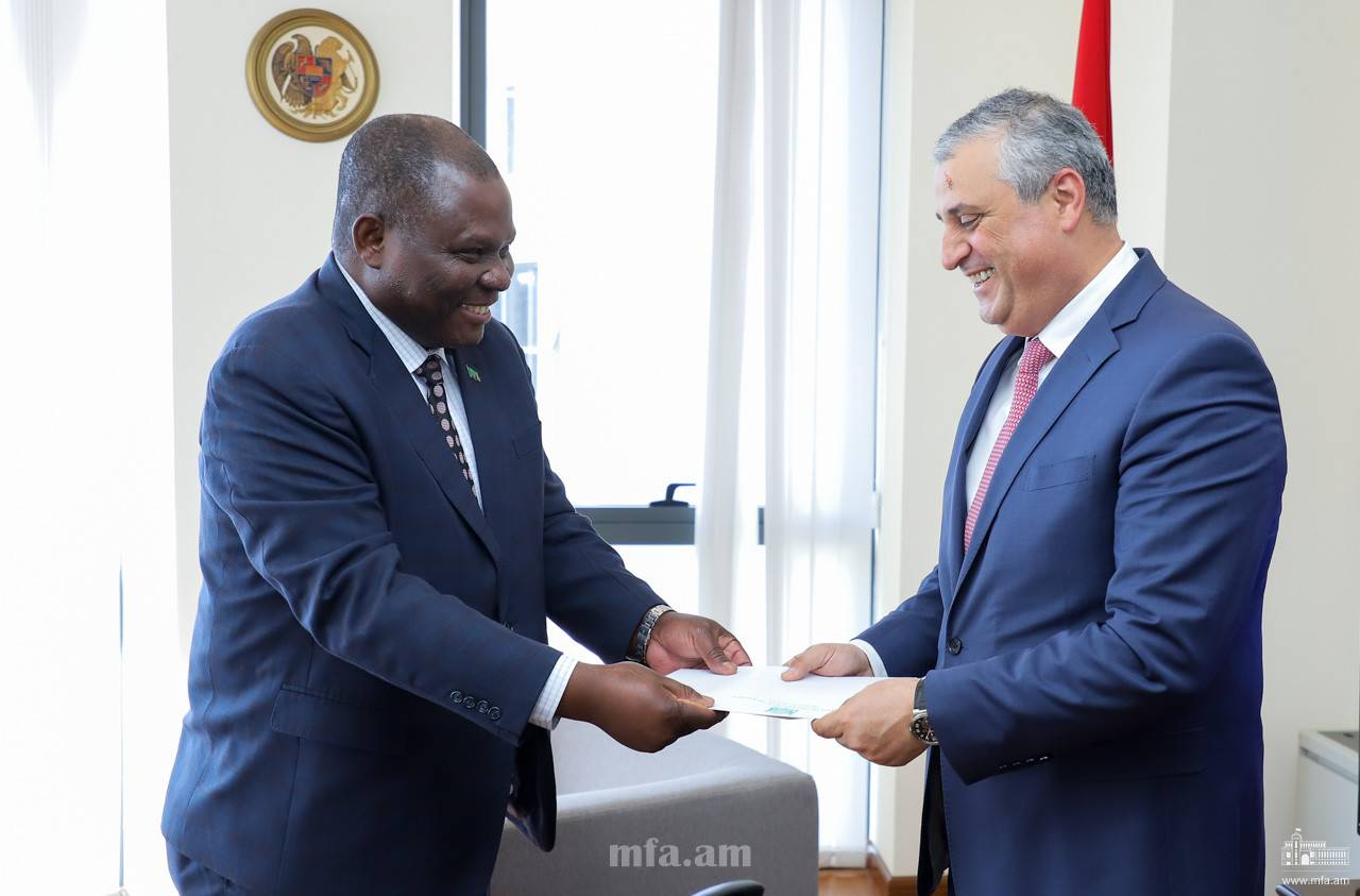 The newly appointed Ambassador of the Republic of Zambia handed over the copies of his credentials to the Deputy Foreign Minister
