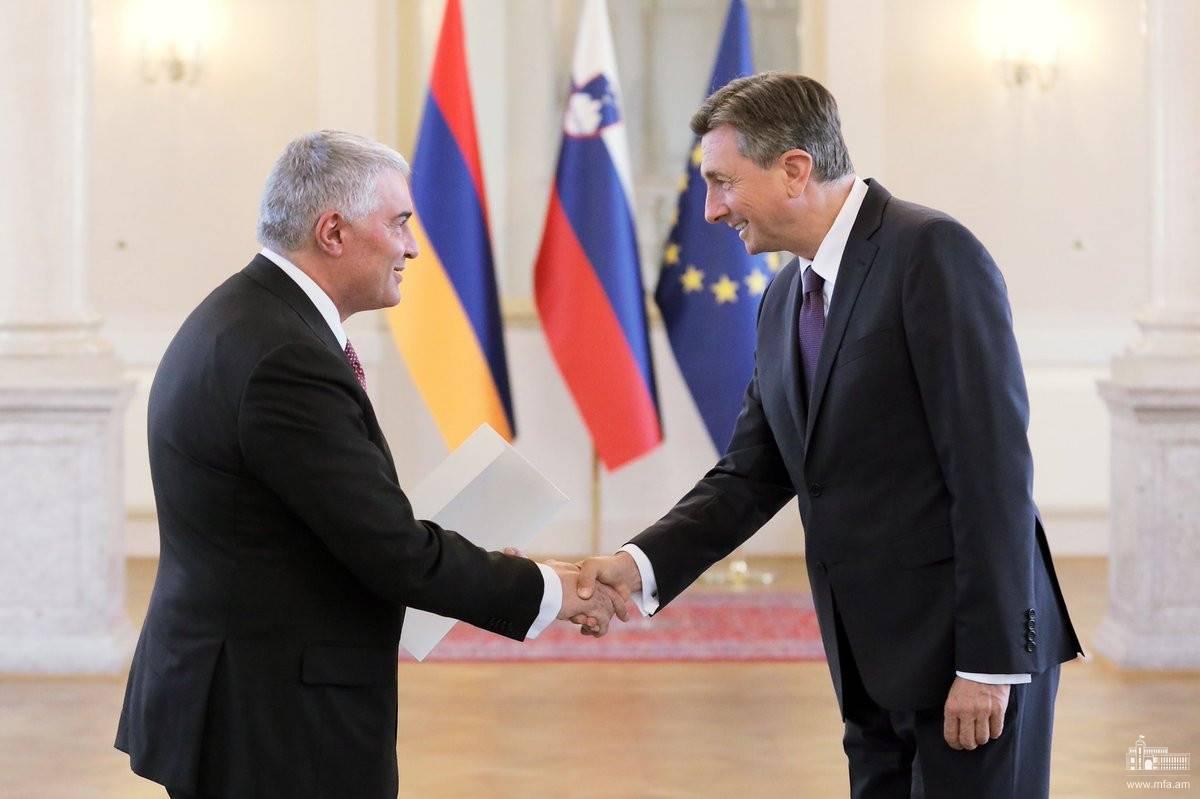 Դեսպան Հովակիմյանն իր հավատարմագրերը հանձնեց Սլովենիայի նախագահին