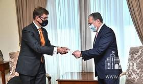 Foreign Minister Zohrab Mnatsakanyan received Nico Schermers, the newly appointed Ambassador of the Kingdom of the Netherlands
