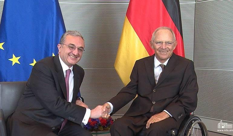 Le Ministre des Affaires étrangères d'Arménie a eu une rencontre avec le Président du Bundestag allemand