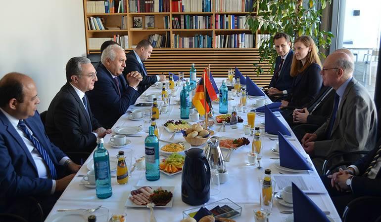 Le Ministre des Affaires étrangères d'Arménie a eu une rencontre avec le Président de la fondation Konrad Adenauer
