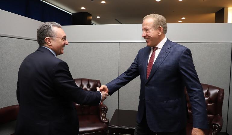 Встреча министра иностранных дел Армении с главой внешнеполитического ведомства Косово Бехджетом Пацолли