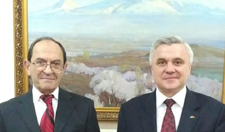 ԱԳ նախարարի տեղակալ Շավարշ Քոչարյանն ընդունեց ՀՀ-ում Ուկրաինայի արտակարգ և լիազոր դեսպանին