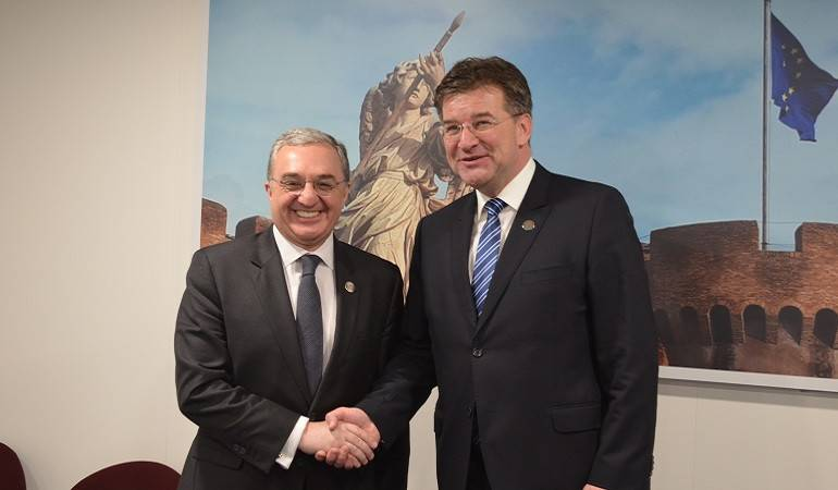 Zohrab Mnatsakanyan met with the Foreign Minister of Slovakia
