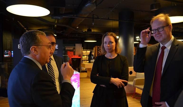 Zohrab Mnatsakanyan a eu une rencontre avec les représentants de l'industrie informatique estonienne