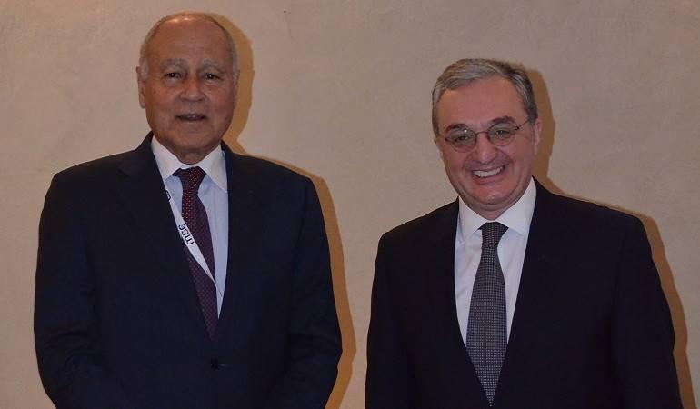 Зограб Мнацаканян встретился с генеральным секретарем Лиги арабских государств