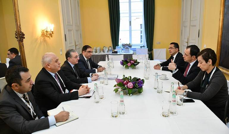 Министр иностранных дел Армении встретился с министром иностранных дел Кипра