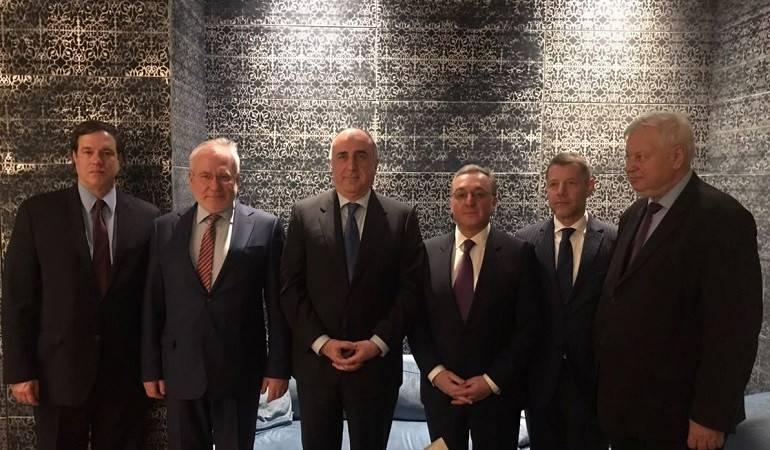 Rencontre entre les ministres des Affaires étrangères d'Arménie et d'Azerbaïdjan
