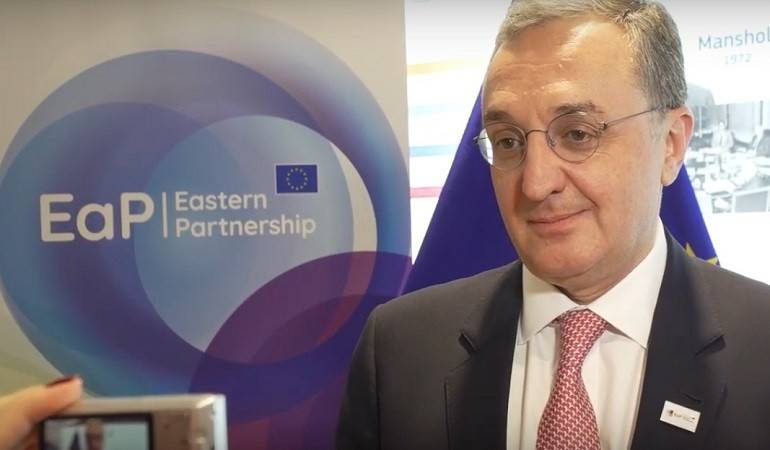 Foreign Minister Zohrab Mnatsakanyan's briefing with journalist after the High Level Conference dedicated to the 10th anniversary of the Eastern Partnership