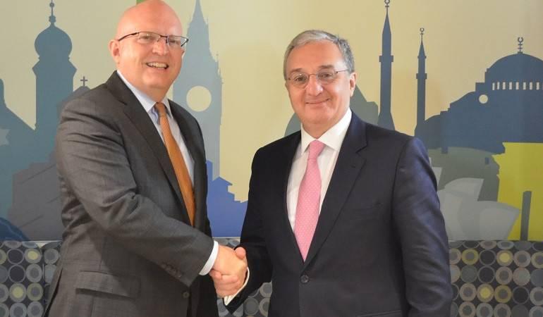 Встреча министра иностранных дел Армении Зограба Мнацаканяна и исполняющего обязанности заместителя госсекретаря США по европейским и евразийским делам Филиппа Рикера