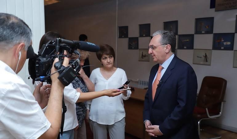 Брифинг Министра иностранных дел Зограба Мнацаканяна с журналистами по окончании встречи с президентом Арцаха Бако Саакяном