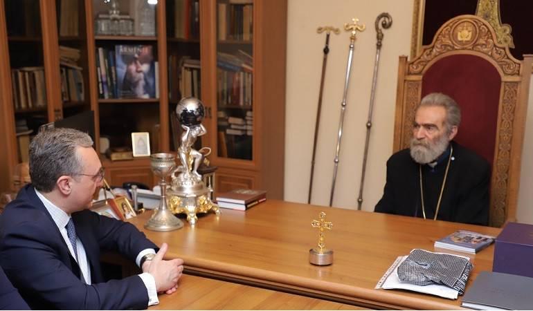 Встреча Зограба Мнацаканяна с Предстоятелем епархии Армянской Апостольской Церкви в Арцахе