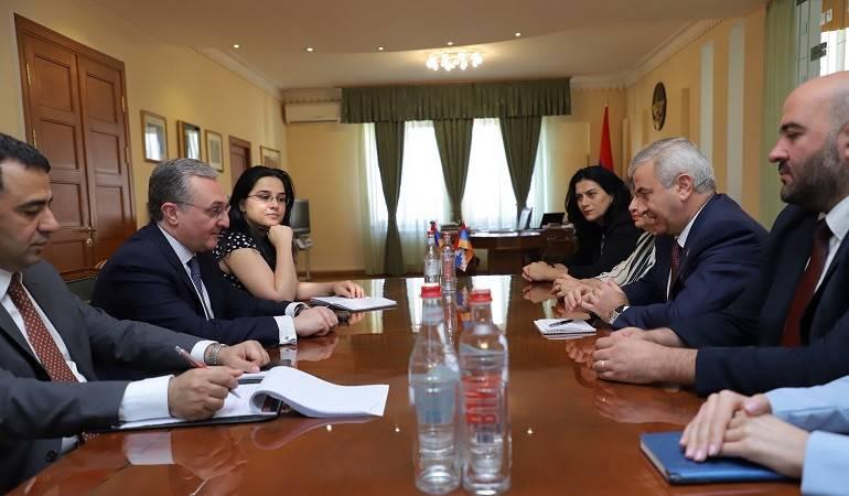 Встреча Министра иностранных дел Республики Армения Зограба Мнацаканяна со спикером Национального Собрания Республики Арцах Ашотом Гуляном