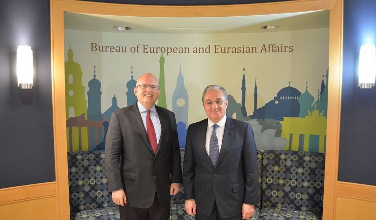 Զոհրաբ Մնացականյանի հանդիպումը ԱՄՆ պետքարտուղարի Եվրոպական և Եվրասիական հարցերով տեղակալի պաշտոնակատար Ֆիլիպ Ռիքերի հետ