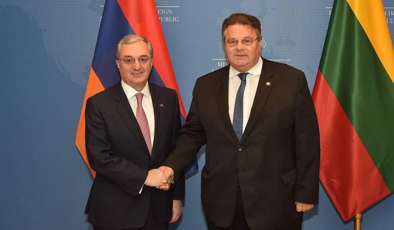 Le ministre des Affaires étrangères Zohrab Mnatsakanyan arrive en Lituanie pour une visite officielle: rencontre avec le ministre des Affaires étrangères de Lituanie