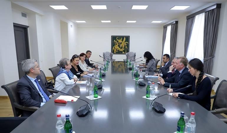Հայաստանի ԱԳ նախարարը հանդիպեց Եվրոպական հանձնաժողովի Հարևանության և ընդլայնման շուրջ բանակցությունների հարցերով գլխավոր տնօրենի տեղակալի հետ