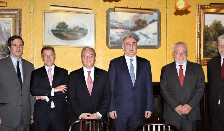 Rencontre des ministres des Affaires étrangères d'Arménie et d'Azerbaïdjan