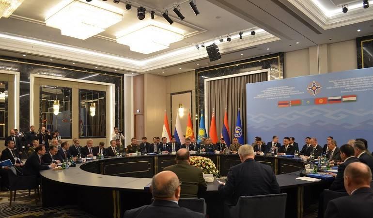 Министр Мнацаканян принял участие в совместном заседании уставных органов ОДКБ