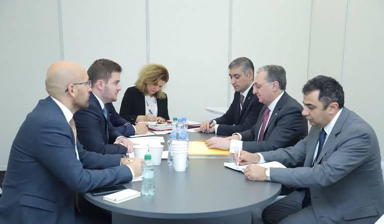 Встреча Министра иностранных дел Зограба Мнацаканяна с  и.о. Министра иностранных дел Албании Гентом Чакаем