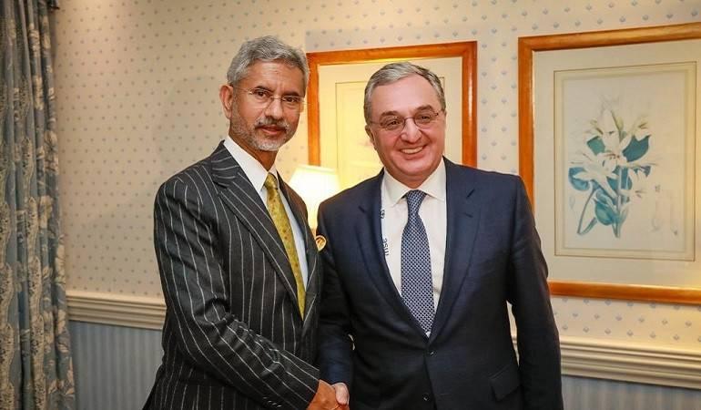 Встреча Министра иностранных дел Армении Зограба Мнацаканяна с Министром иностранных дел Индии Субраманиам Джайшанкар