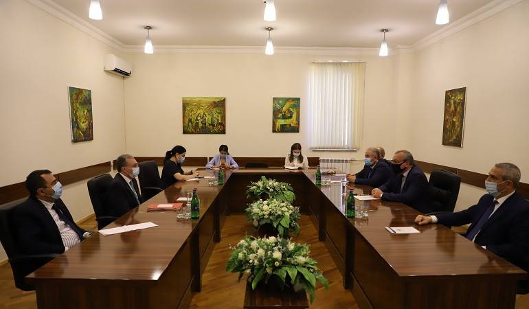 Meeting of Foreign Minister Zorhab Mnatsakanyan at the Parliament of Artsakh