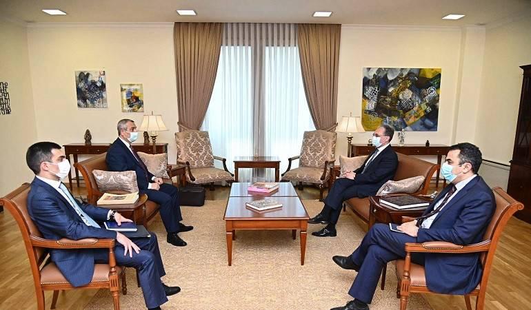 Rencontre entre les ministres des Affaires étrangères d'Arménie Zohrab Mnatsakanyan et le ministre des Affaires étrangères de l'Artsakh Masis Mailyan