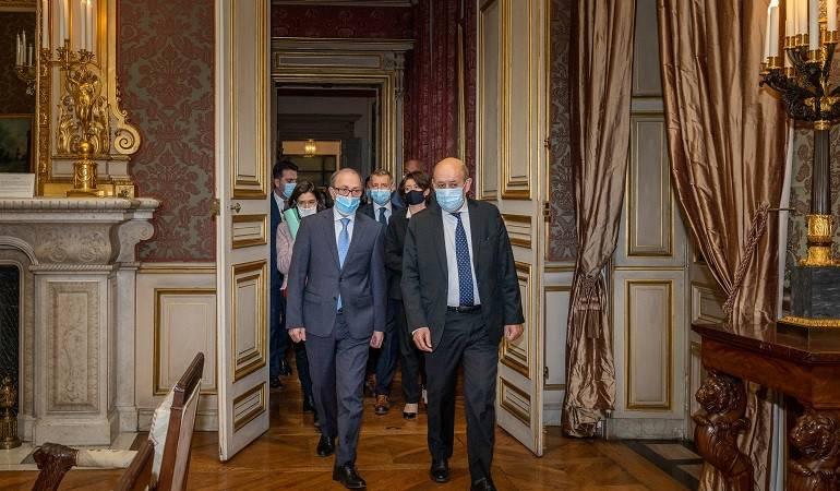 Rencontre des ministres des Affaires étrangères d'Arménie et de France
