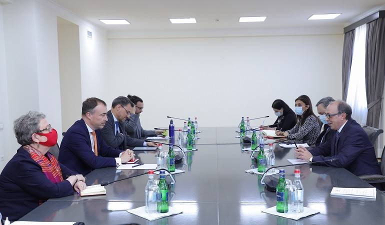 Foreign Minister Ara Aivazian met with Toivo Klaar, the EU Special Representative for the South Caucasus and the Crisis in Georgia