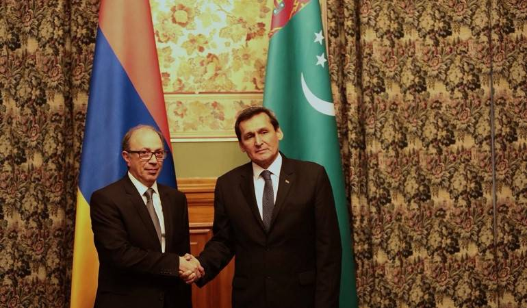The meeting of Foreign Minister of Armenia Ara Aizavian with Foreign Minister of Turkmenistan Rashid Meredov