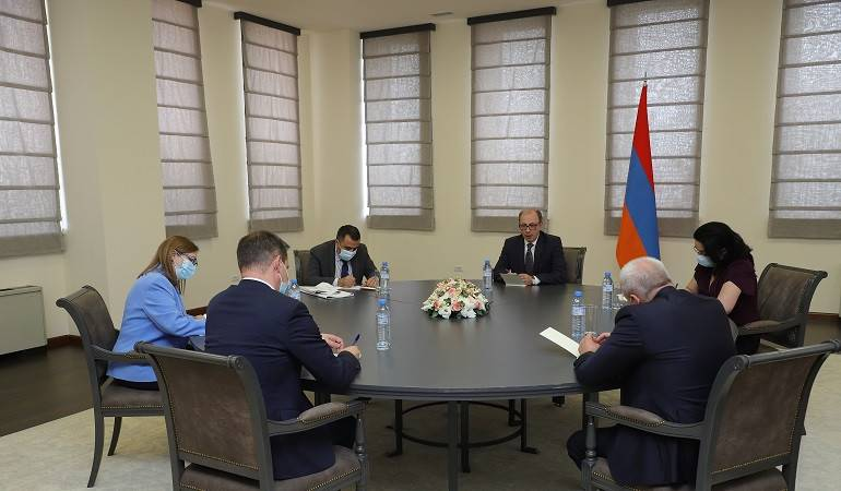 Acting Foreign Minister of Armenia received the Ambassadors of Russia, France and the USA in Armenia