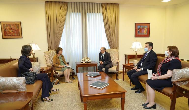 Acting Minister of Foreign Affairs of the Republic of Armenia Ara Aivazian held a meeting with the newly appointed Head of the Council of Europe Office in Armenia Martina Schmidt