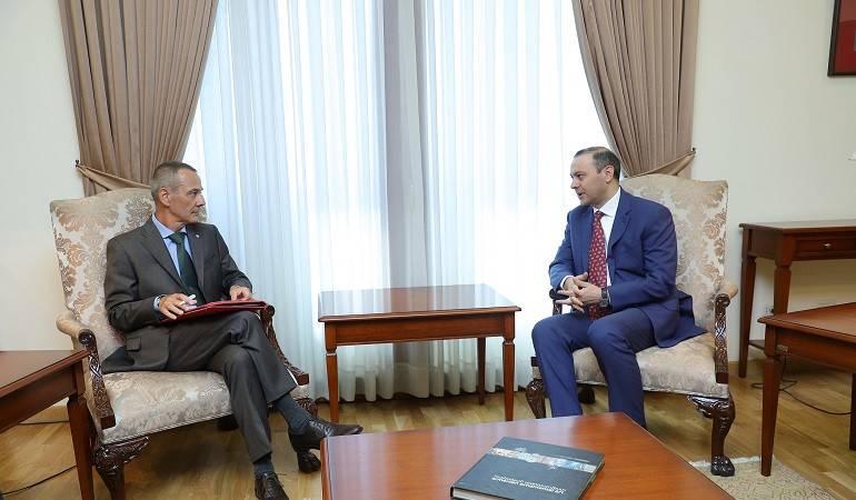 Rencontre entre le ministre des Affaires étrangères par intérim Armen Grigoryan et le chef de la délégation du CICR
