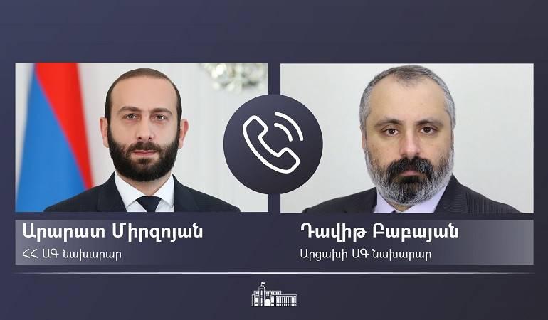Ararat Mirzoyan s'est entretenu avec son homologue artsakiote David Babayan