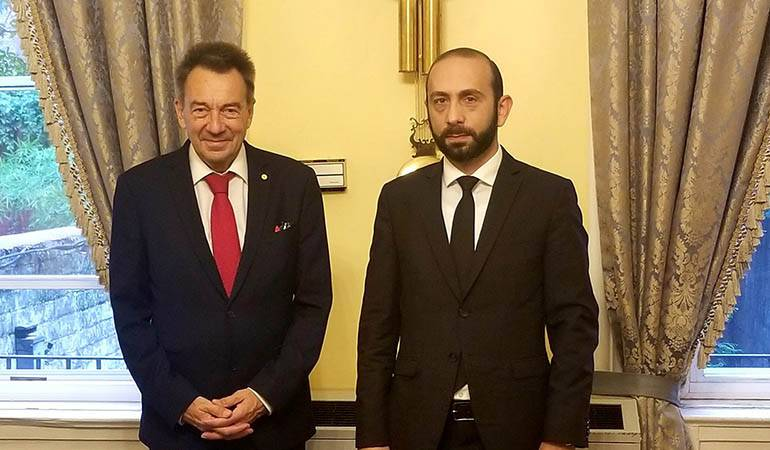 Meeting of Foreign Minister Ararat Mirzoyan with the President of the ICRC Peter Maurer