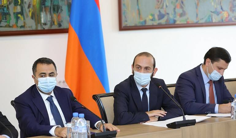 Министр иностранных дел РА Арарат Мирзоян принял представителей агентств ООН в Армении