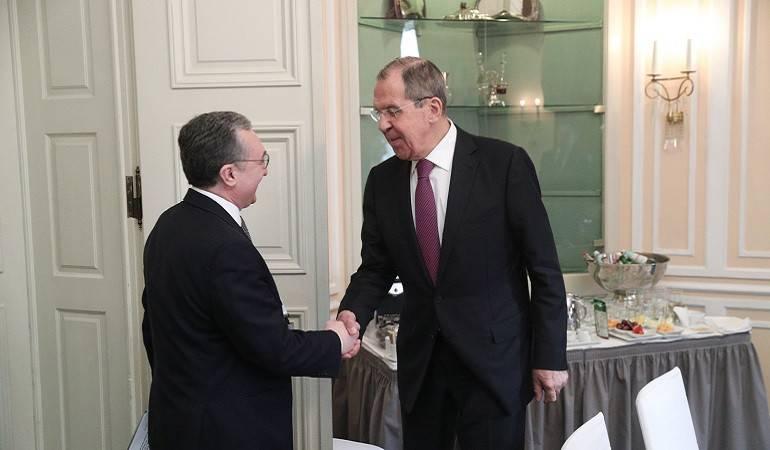 Встреча Зограба Мнацаканяна и Сергея Лаврова