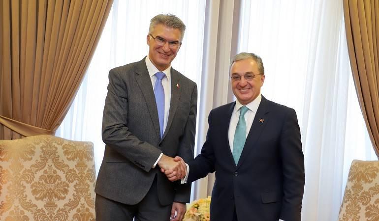 Встреча Зограба Мнацаканяна с министром иностранных дел и развития торговли Мальты Кармело Абелой