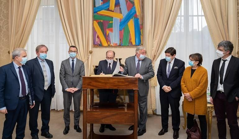Le ministre des Affaires étrangères Ara AivazIan a rencontré le président du Sénat français, Gérard Larcher