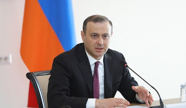 Исполняющий обязанности министра иностранных дел Армен Григорян принял аккредитованных в Армении глав дипломатических представительств