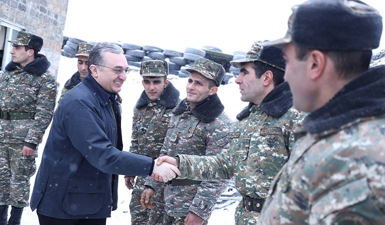 Acting FM of Armenia Zohrab Mnatsakanyan visited the front line of the Armed Forces of Armenia